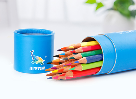 小学大象彩色铅笔